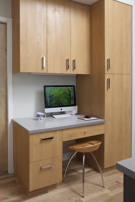 bacus desk.jpg