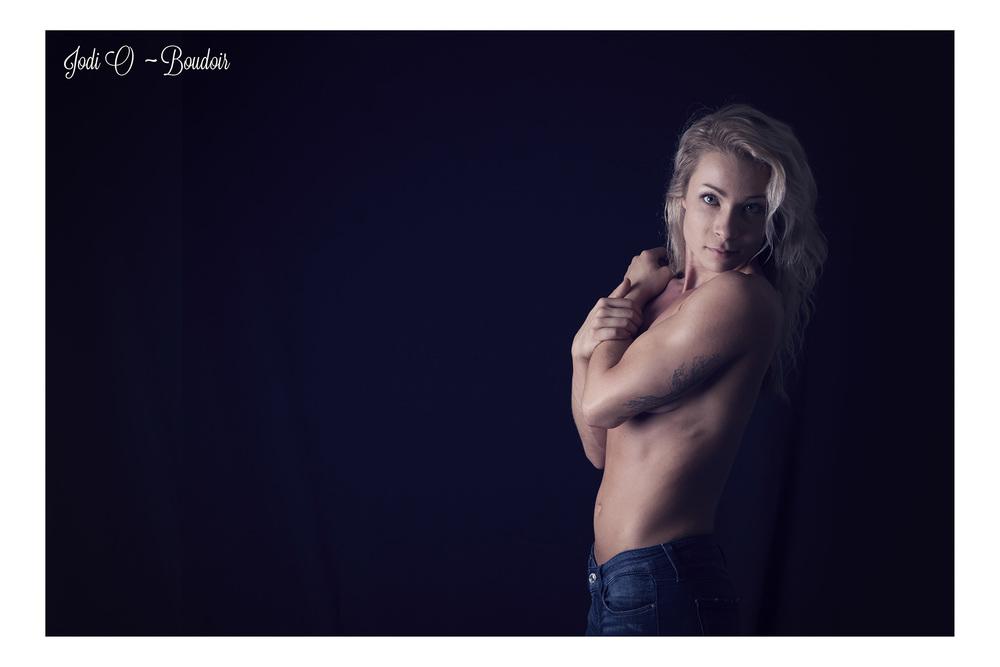 Calgary  Bodoir Photographer (5).jpg
