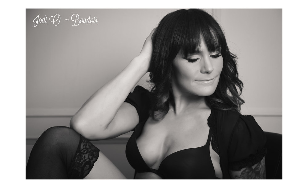 Female Calgary Boudoir Photographer (1).jpg