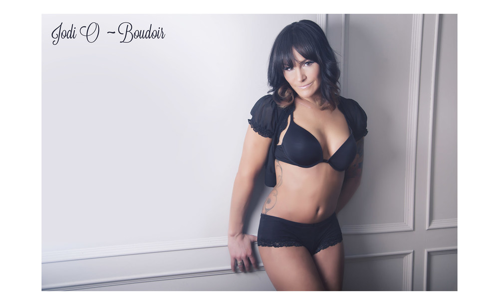 Female Calgary Boudoir Photographer (7).jpg