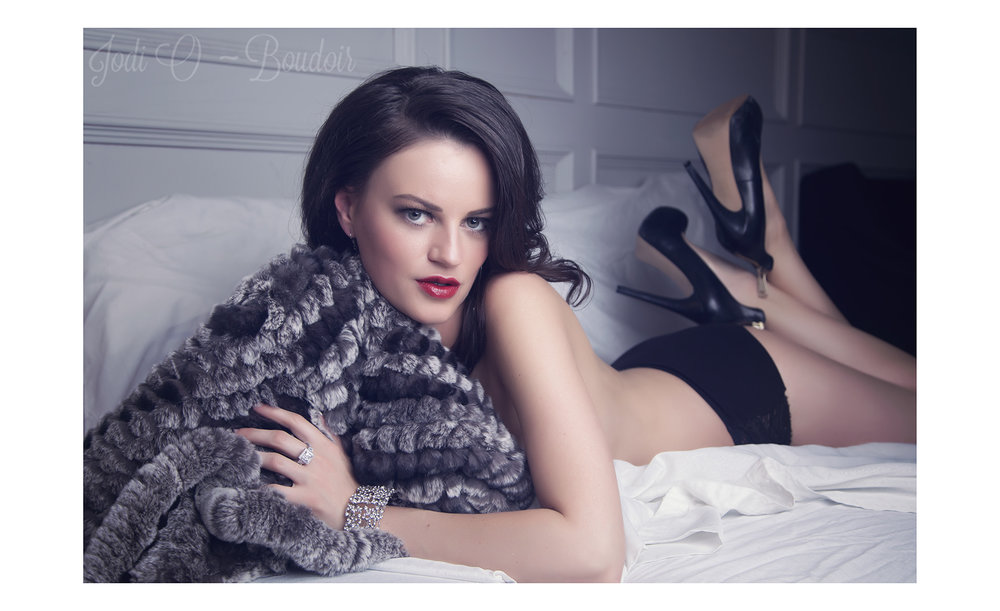 Affordable Calgary Boudoir Photographer (1).jpg