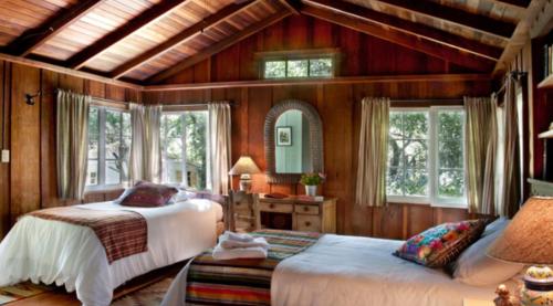westerbeke_cabin_interior.png