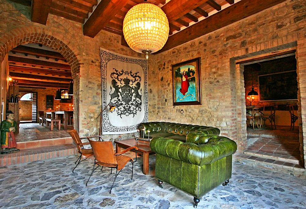 Cugnanello wine bar lounge.png