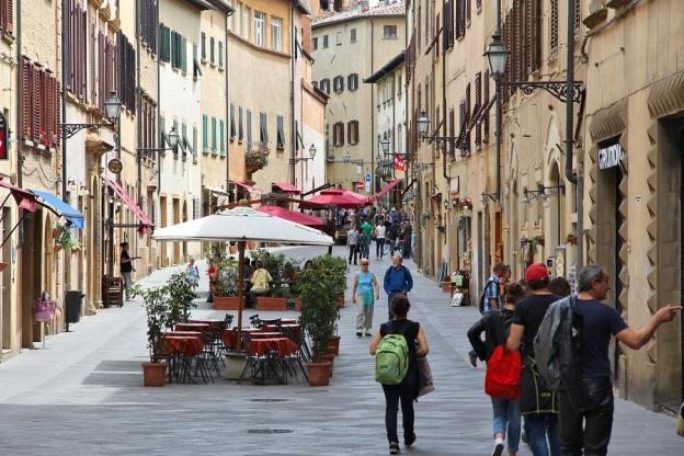 volterra street scene 163710008.jpg