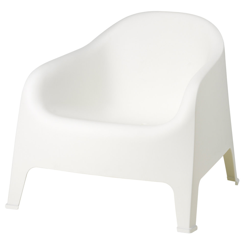 ROUND WHITE CHAIR | QTY 16 | $25