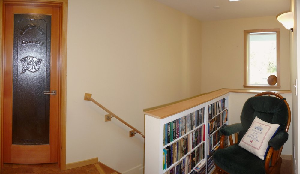 14056 +4Pan Stair Nook2.JPG