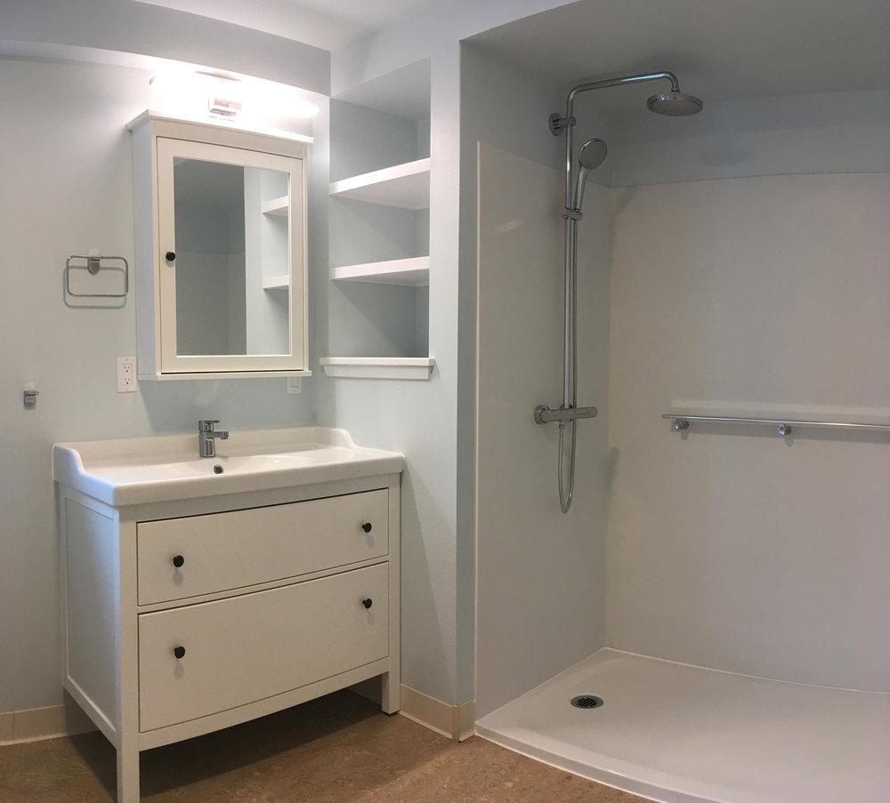 +16039 PAN Bath1.jpg