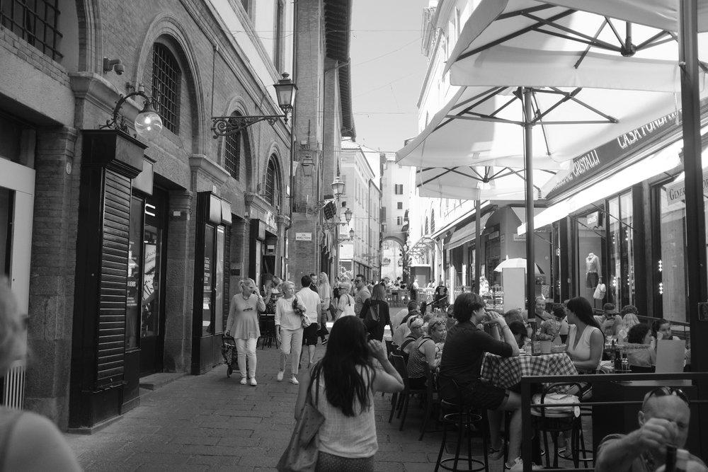 Bologna_StreetBar.JPG