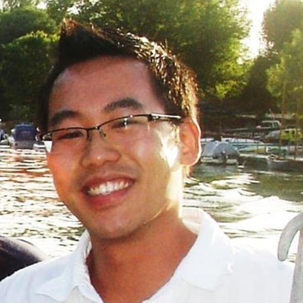 Dr Jhen Tsang