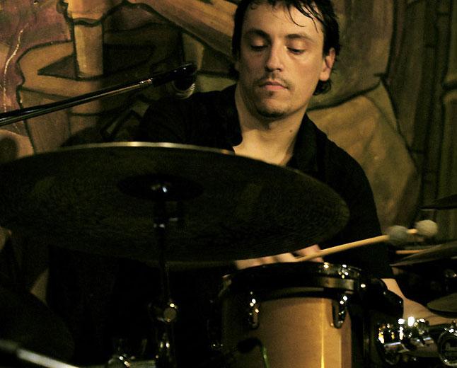 "Featuring Mariano ""Tiki"" Cantero (drums). Visitacaseca.com.ar"