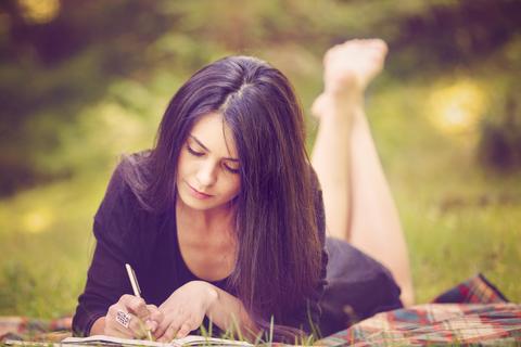 woman_writer.jpg