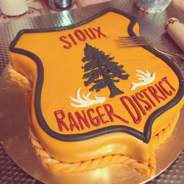 @forty5degreesnorth asked me to brush off my pastry knowledge yesterday for @lodoso63's birthday 🎂. Happy birthday, hope it's a great day! #pastryart #siouxrangerdistrict #forestservice #montana #carrotcake