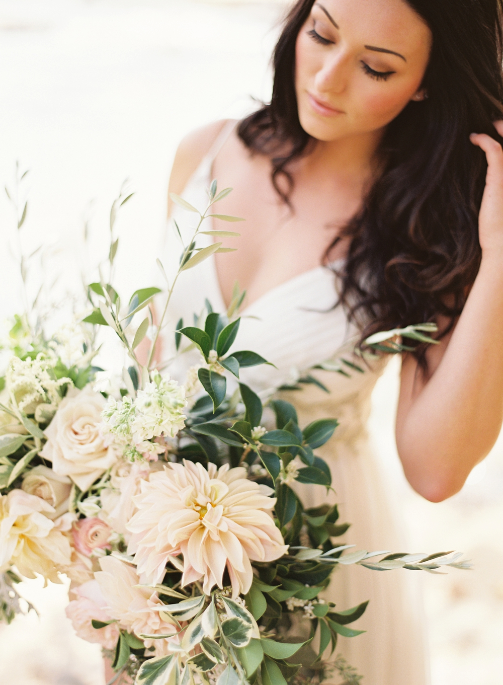 modfete-chris-isham-woodland-bridal-editorial_0004.jpg