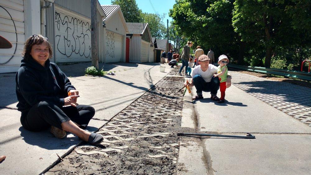 Laneway Puncture Planting Day CR Michelle Senayah.jpg