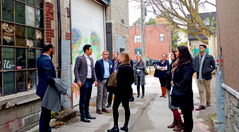 Image: Urbanists on a downtown Toronto laneway tour led by The Laneway Project CREDIT Michelle Senayah