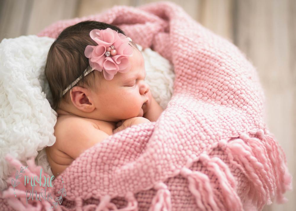 Mobie Photo - Newborn Photographer - Lehi, Utah