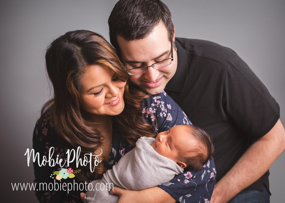 Six Week Old Newborn Shoot with Parents - Mobie Photo - Utah Newborn Photography