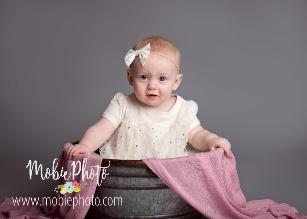 Mobie Photo - Utah Baby Photographer - 8 month photo shoot