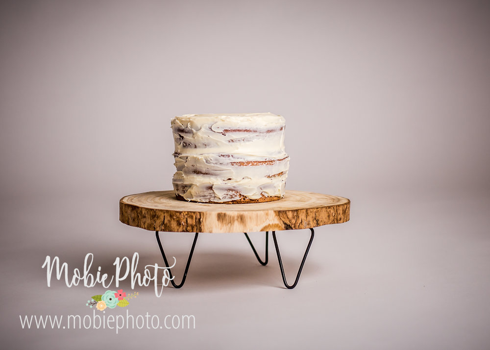 First Birthday Cake Smash Pictures by Mobie Photo - Utah Newborn Photography