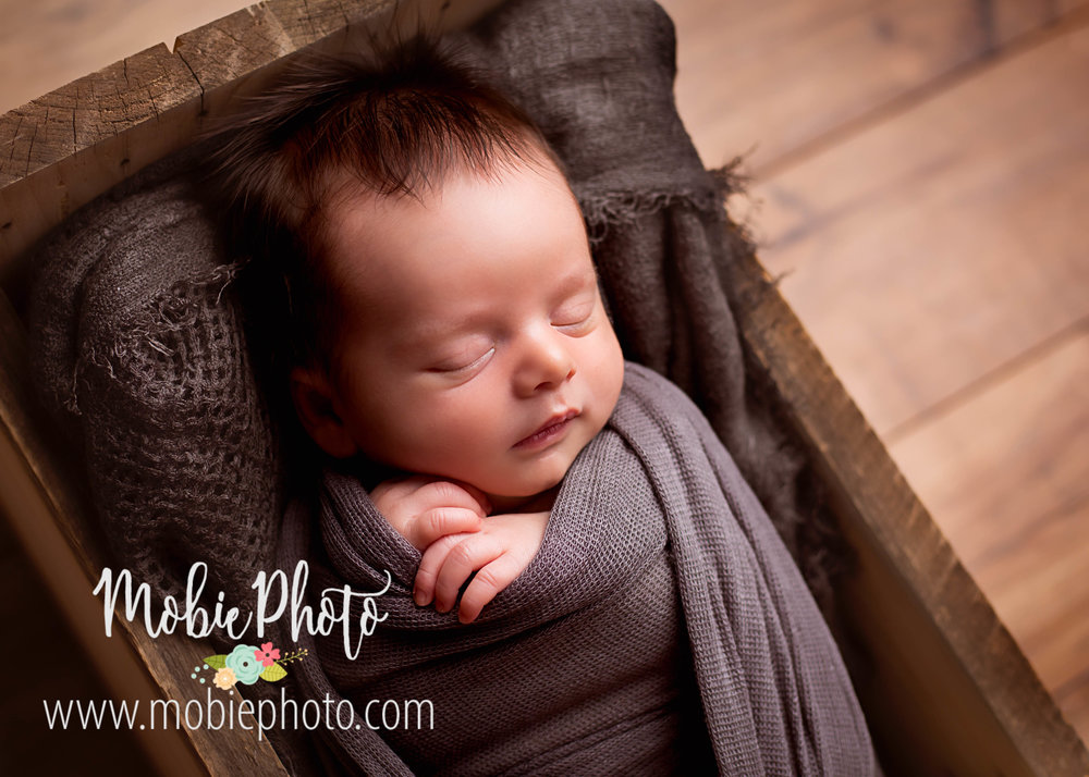 Newborn Boy Photo Session - Mobie Photo - Utah Newborn Photography