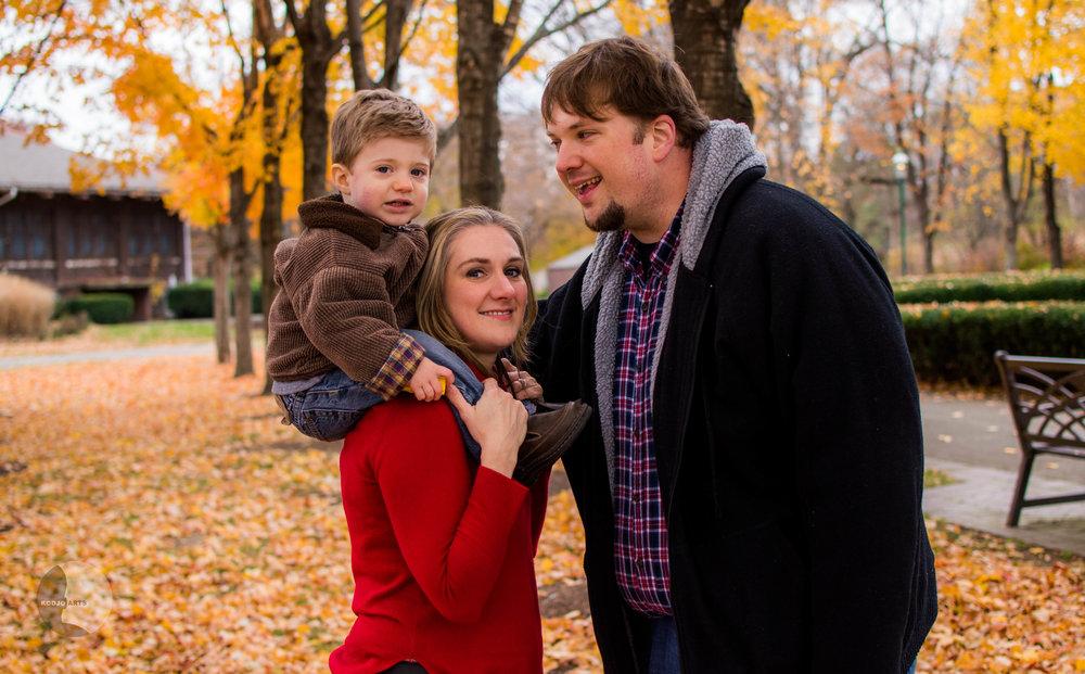 Family Portrait Photography taken at Franklin Park Conservatory.