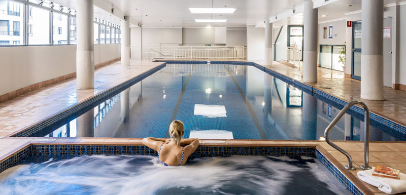 oaks on castlereagh swimming pool spa jacuzzi (1).jpg