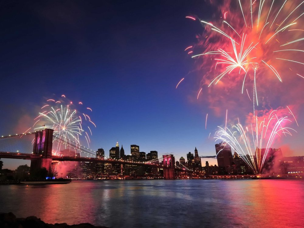 new-york-fireworks-east-river.jpg