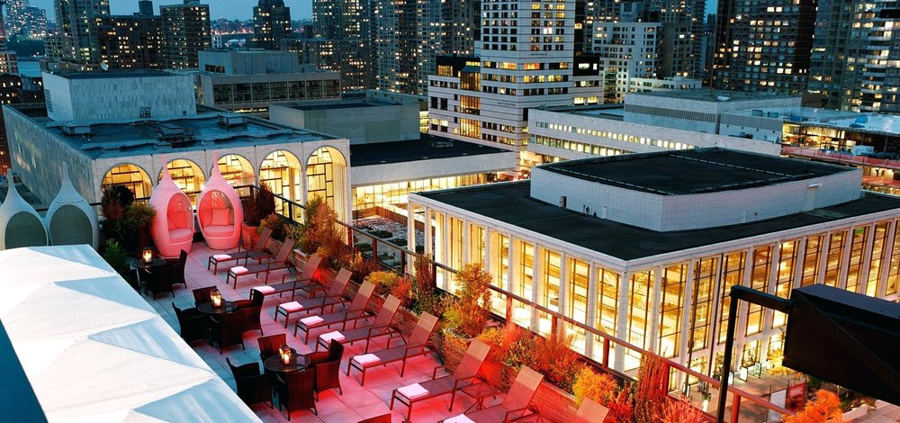 roof-top-bar-in-new-york-official-site-of-the-empire-hotel-center-upper-west-side-empire-hotel-central-park-rooftop-banister-banquette-strand-rooftop-bar-new-york.jpg