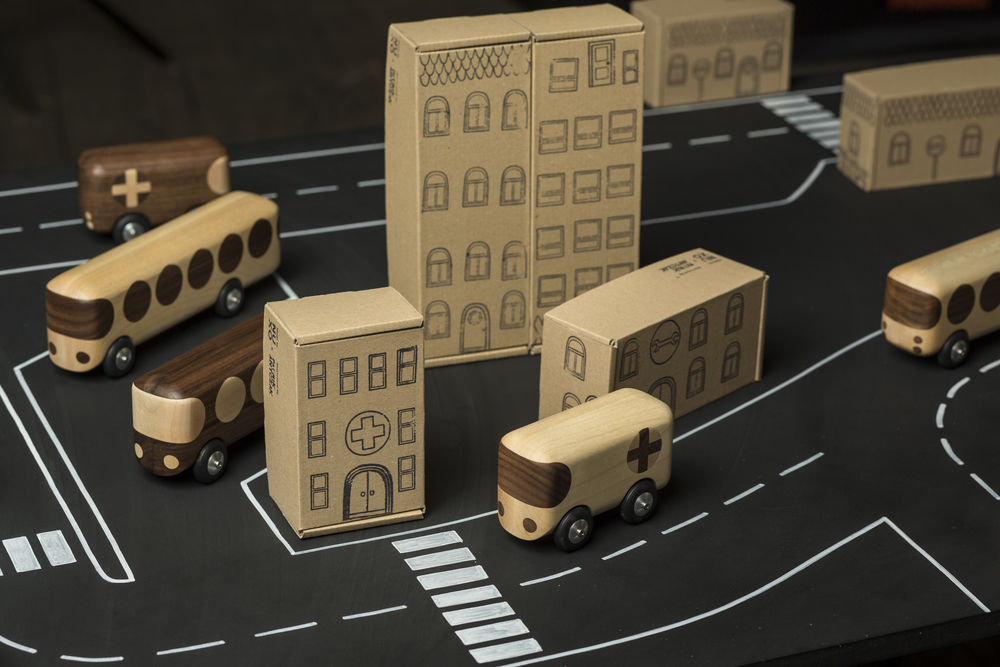 Cars nuxo for Arbre maison jouet