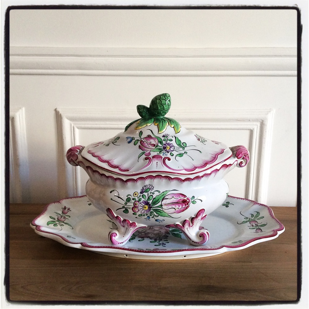 One of the many great brocante finds from my trip! A particularly lovely Luneville French earthenware tureen and platter in perfect condition are heading to the store later this year......