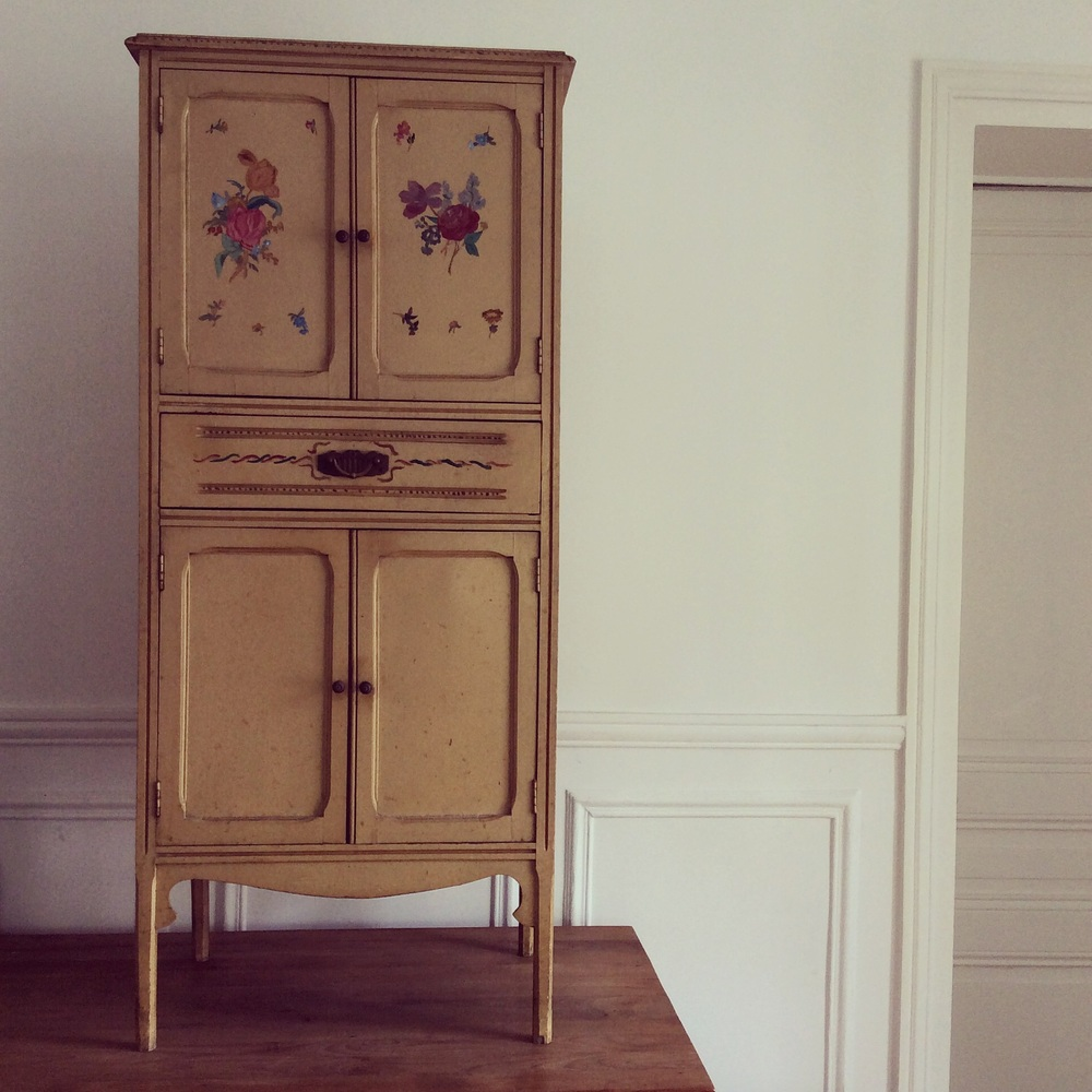 Sweet little handpainted primitive vintage cabinet is heading to the store..