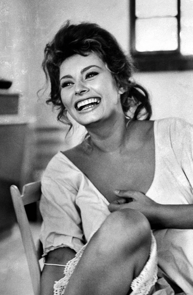 """Nothing makes a woman more beautiful than a belief that she is beautiful"". Sophia Loren"
