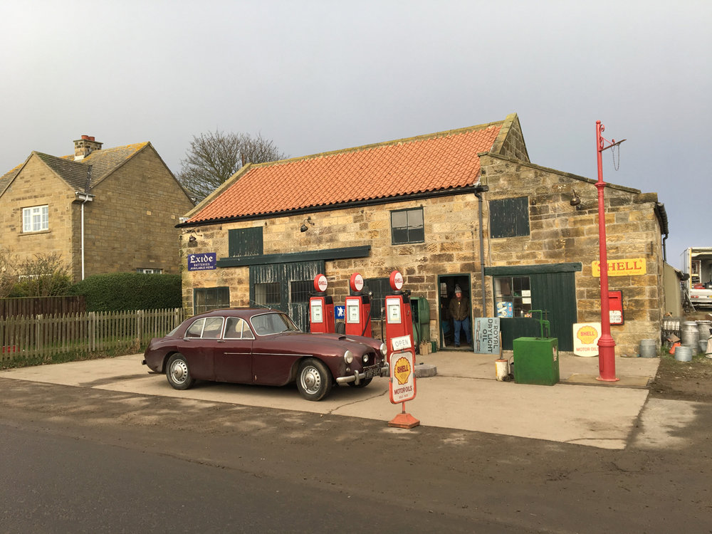 Ext Petrol Station_Phantom Thread_Adam Squires 2017.jpg