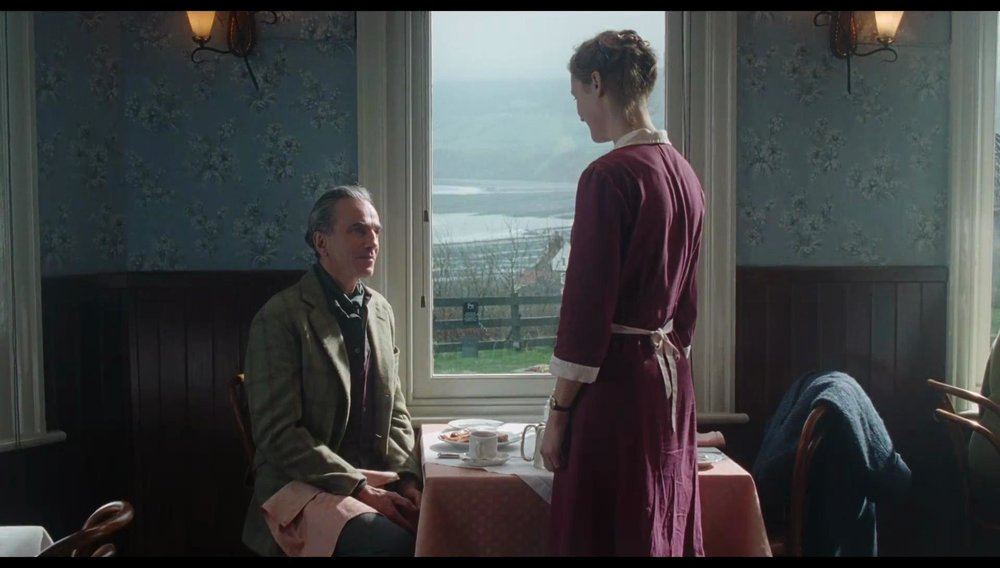 Phantom_Thread-685924919-large.jpg