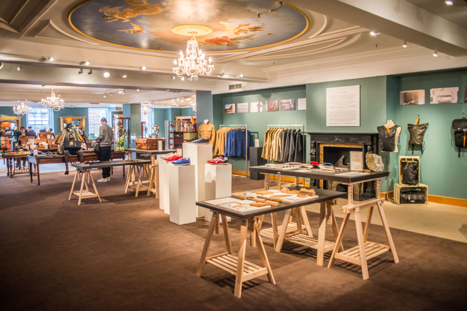 <b>Fortnum & Mason</b><br>Pop up designer showcase