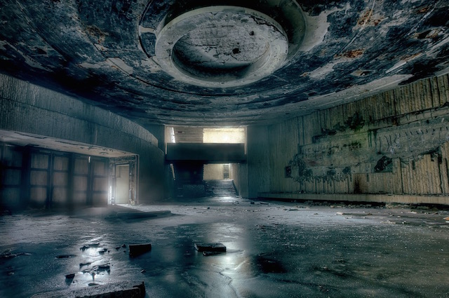 Abandonned-Soviet-Buildings-by-Rebecca-Litchfield4.jpg