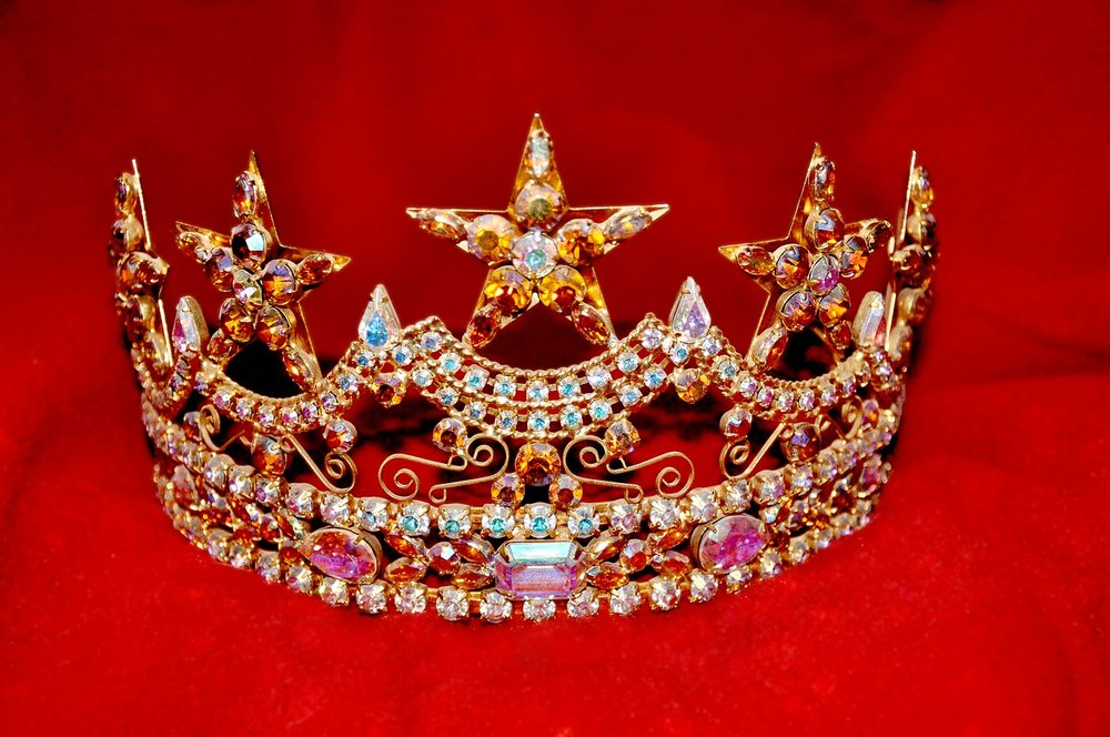 crown-1701934_1280.jpg