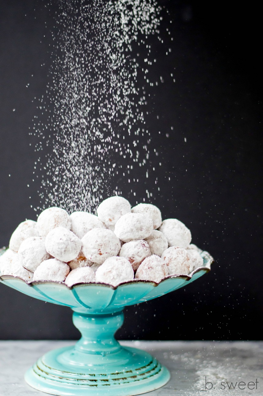 Powdered Sugar Doughnuts Holes