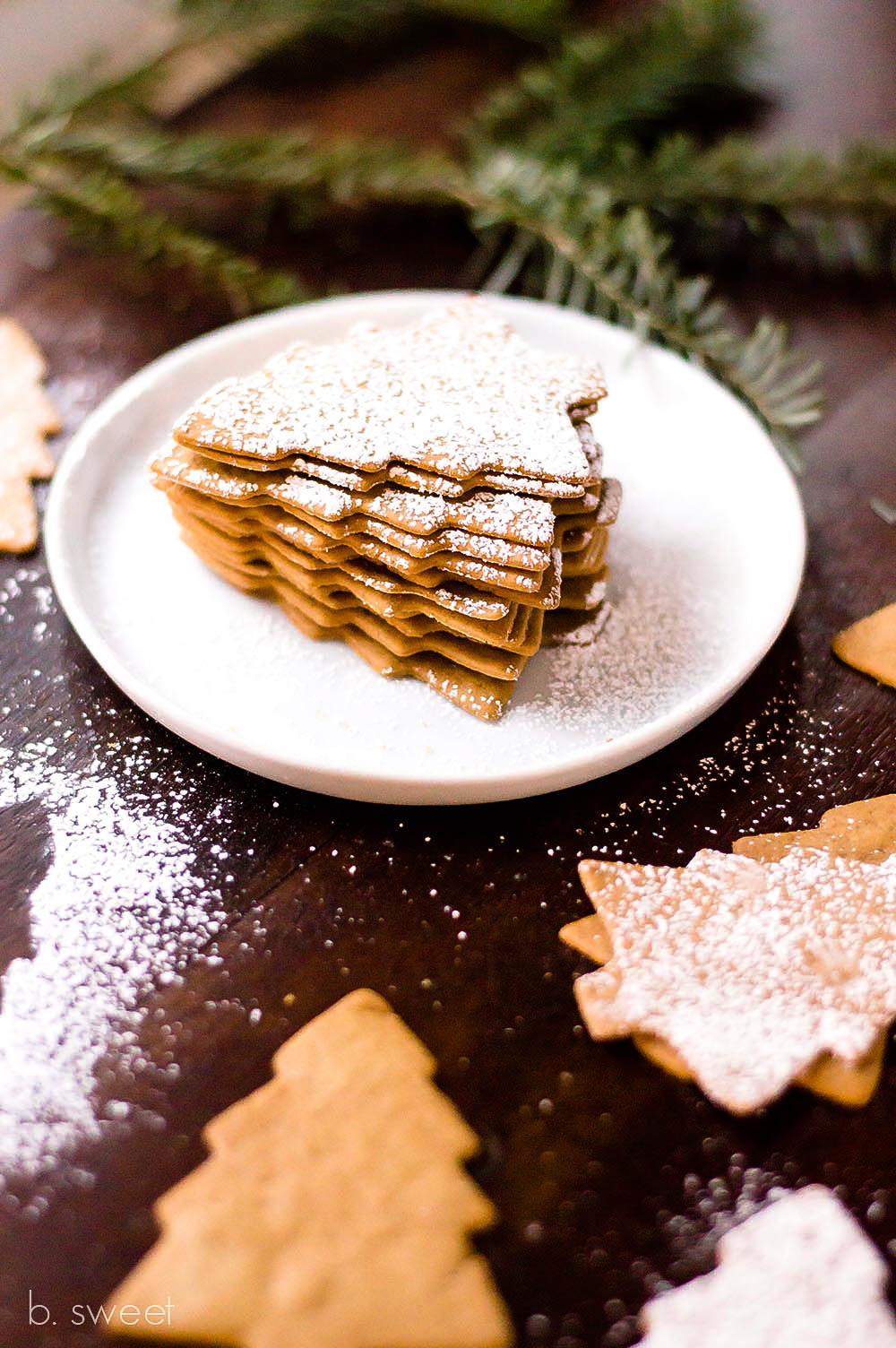 Moravian Spice Cookies-8-2.jpg