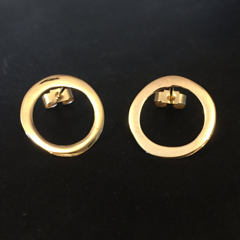 9ct Yellow gold earrings.jpg