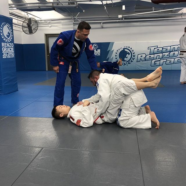 Master @renzograciebjj teaching this mornings #whitebelt class #bjj #graciejiujitsu #renzogracie