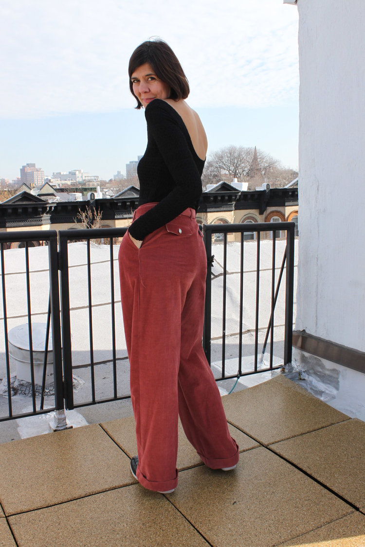 What to wear with salmon pants