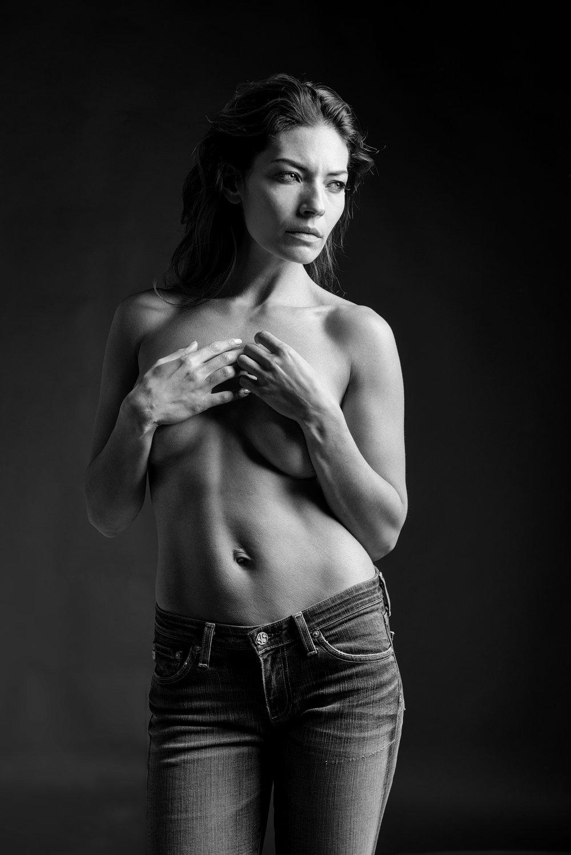 Nicole S_ 24_BW.jpg