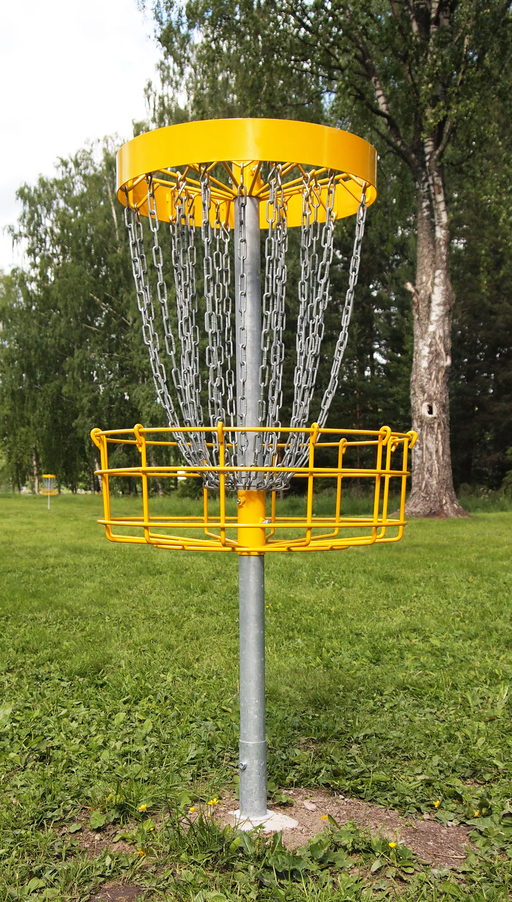 Disc golf basket. By Tiia Monto (Own work) [CC BY-SA 3.0 (http://creativecommons.org/licenses/by-sa/3.0)], via Wikimedia Commons