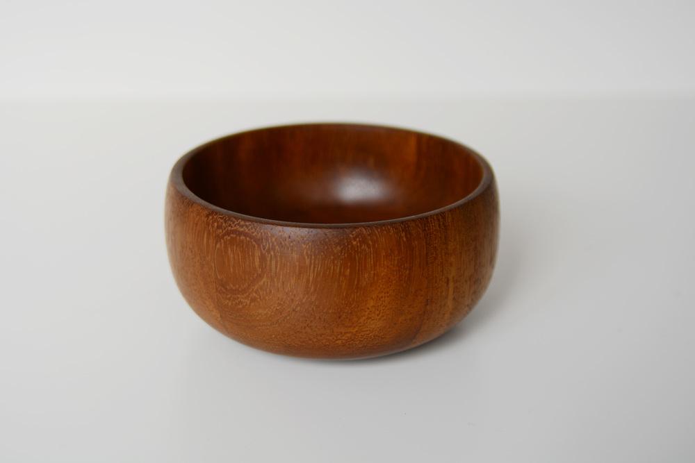 medium bowl: teak