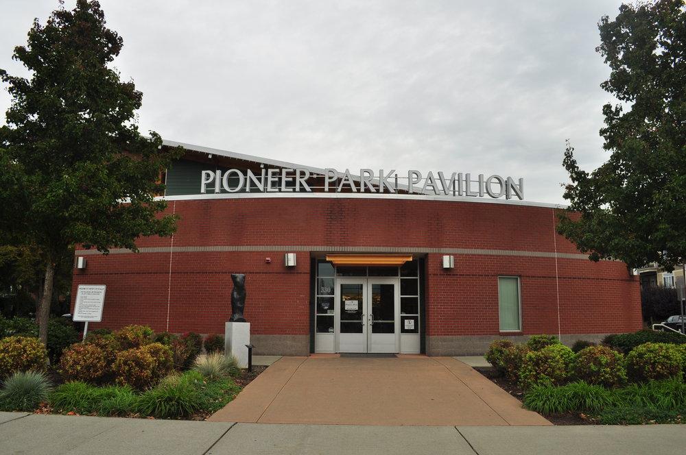 Puyallup,_WA_-_Pioneer_Park_Pavilion_02.jpg