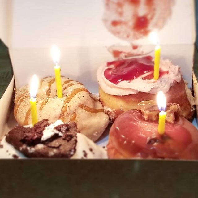 Thanks to my salon family @twisted_hair_salon and @districtdonuts for an awesome birthday treat! #birthday #birthdaycake #birthdaylove #blessed  @katiethedreamhair.nola @skg33rocks @annasworldofbeauty