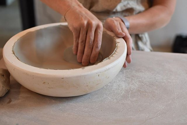 The best way to clear my mind #clay #pottery ( 📷@aixellent_photography clay buddy for life )