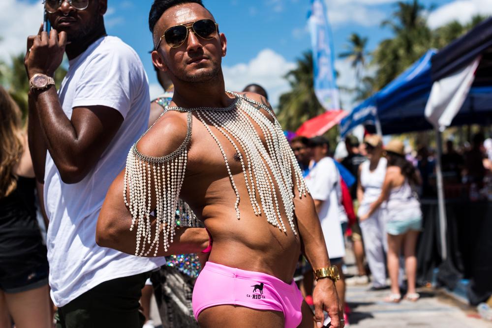 Boys-Gay-Pride-31.jpg