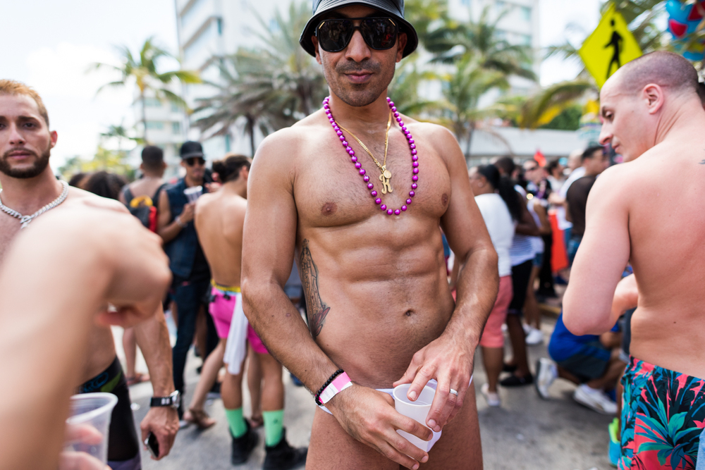 Boys-Gay-Pride-54.jpg